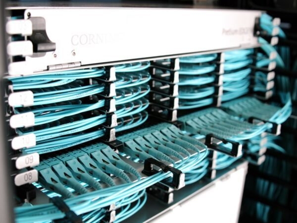 corning câble spécialiste fibre optique